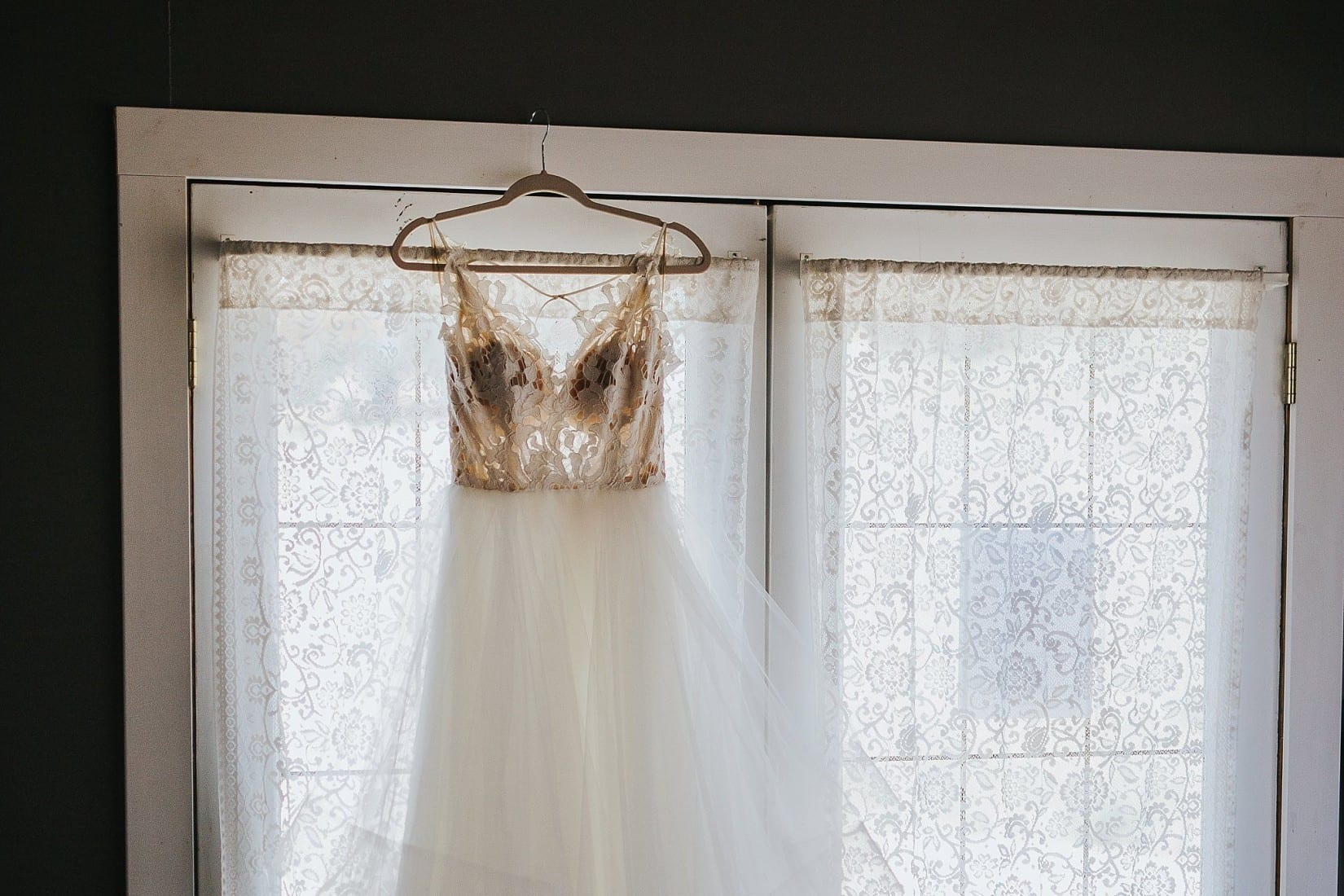 Shylynn Ranch wedding Hayley Paige Dress Kelowna Vernon Salmon Arm