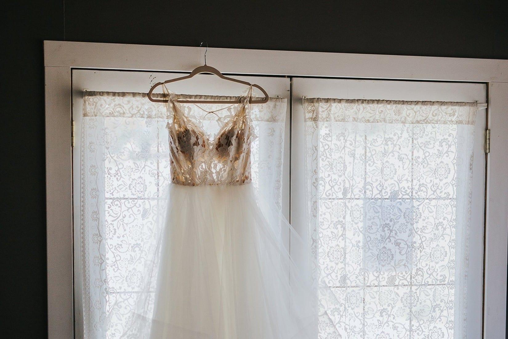 Shylynn Ranch Wedding Hayley Paige Dress Kelowna Vernon Salmon Arm