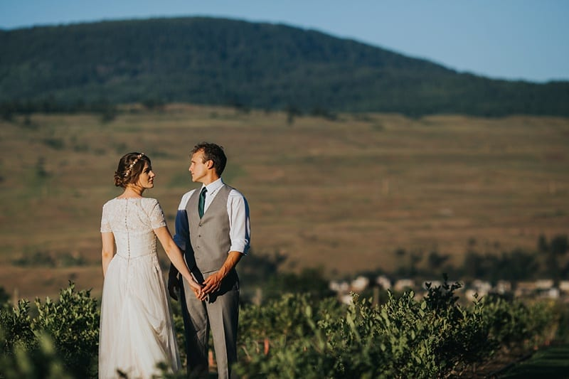 94Kelowna Photographer Okanagan Wedding Photography Backyard
