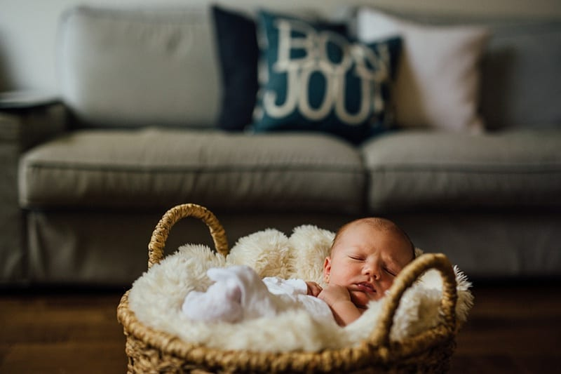 Kelowna Lifestyle Newborn Photograprapher Carly Barnett Photography_2843