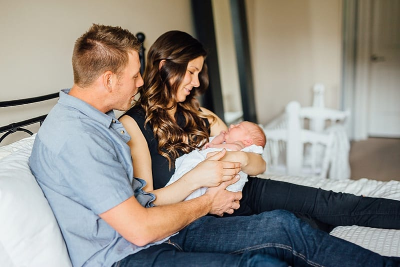 Kelowna Lifestyle Newborn Photograprapher Carly Barnett Photography_2858