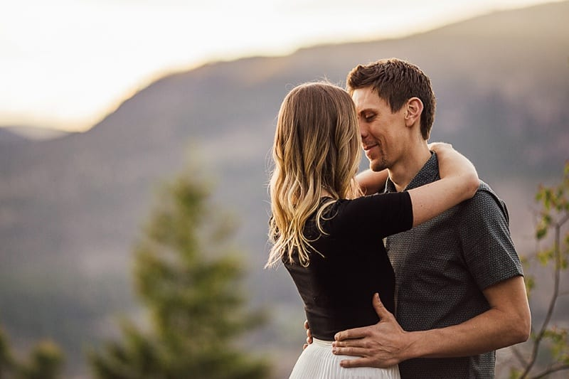 Kelowna Photographer Okanagan Knox Mountain Engagement Photography Kelowna Wedding Vendors_2632